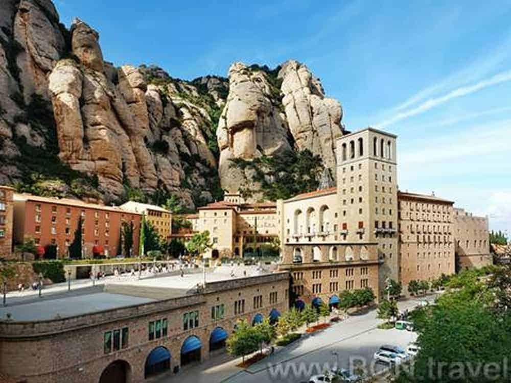 Montserrat Morning Tour 7res