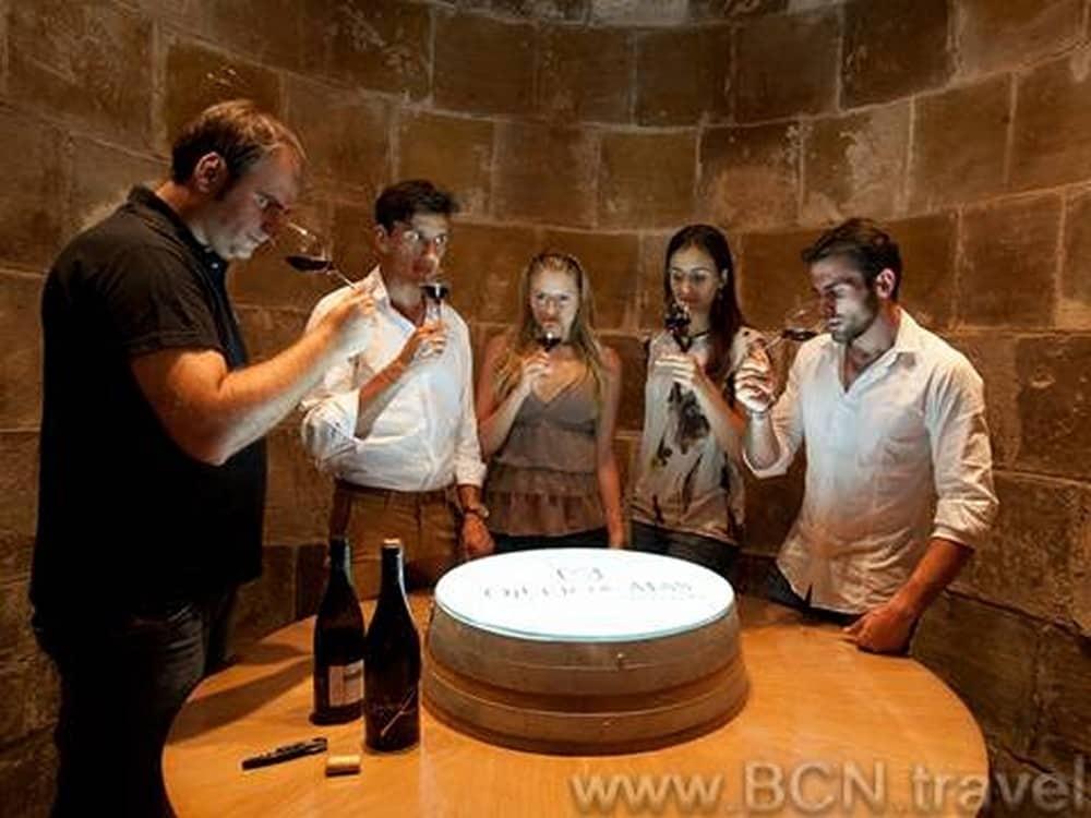 Montserrat Tapas Wine Tour 6res 1