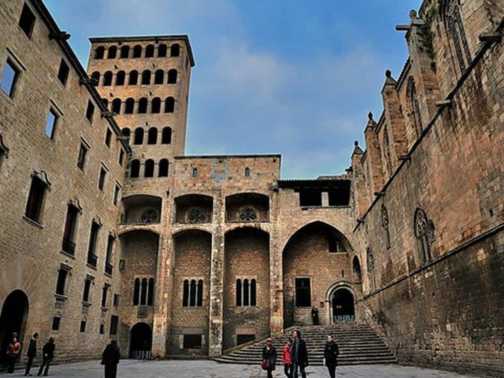 Picasso y el barrio gótico a pie Tour 7res