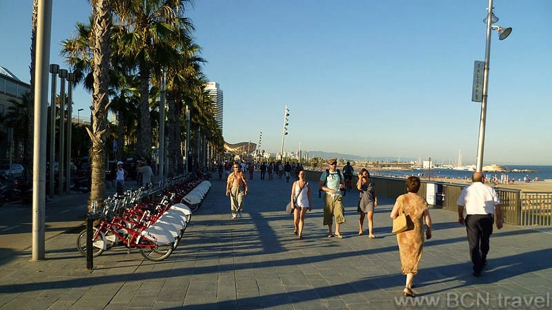 Barceloneta Promenade 800px