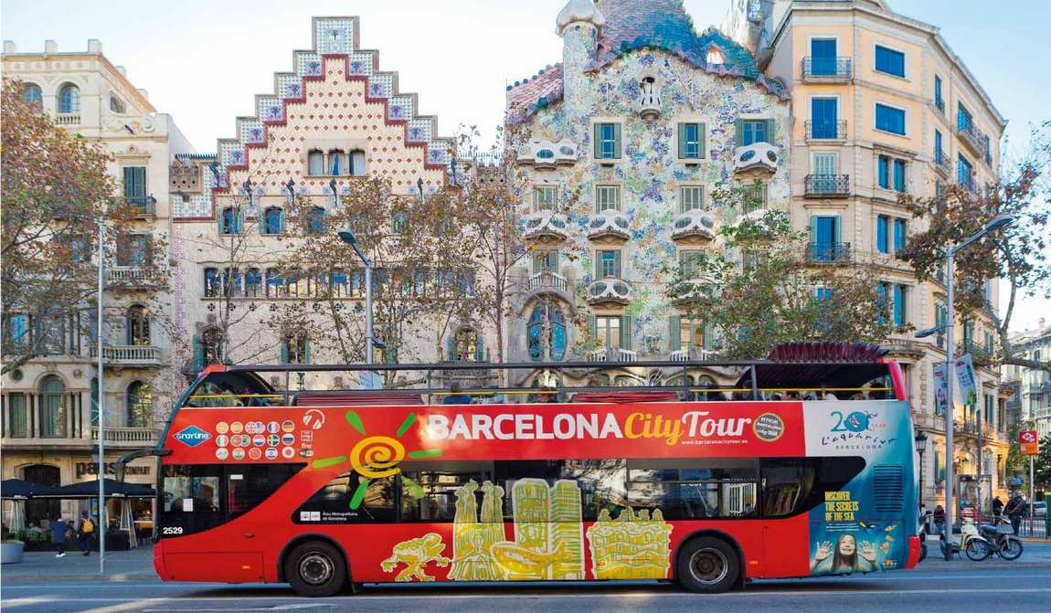 Barcelona Red Bus City Tour 6res E1513152573588