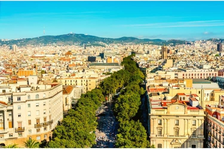 Travel to Barcelona: Barcelona In Summer