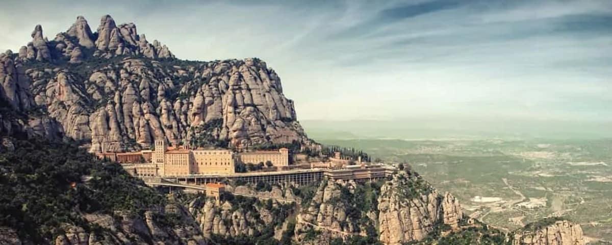 Easy Montserrat Tour 25 10