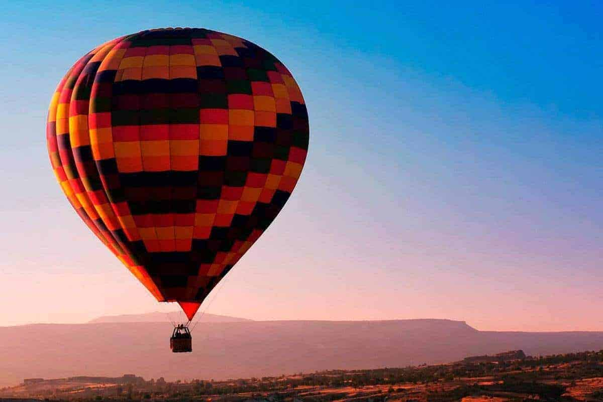 Montserrat Hot Air Ballon 1 2