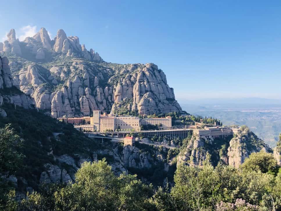 Montserrat Impresionante