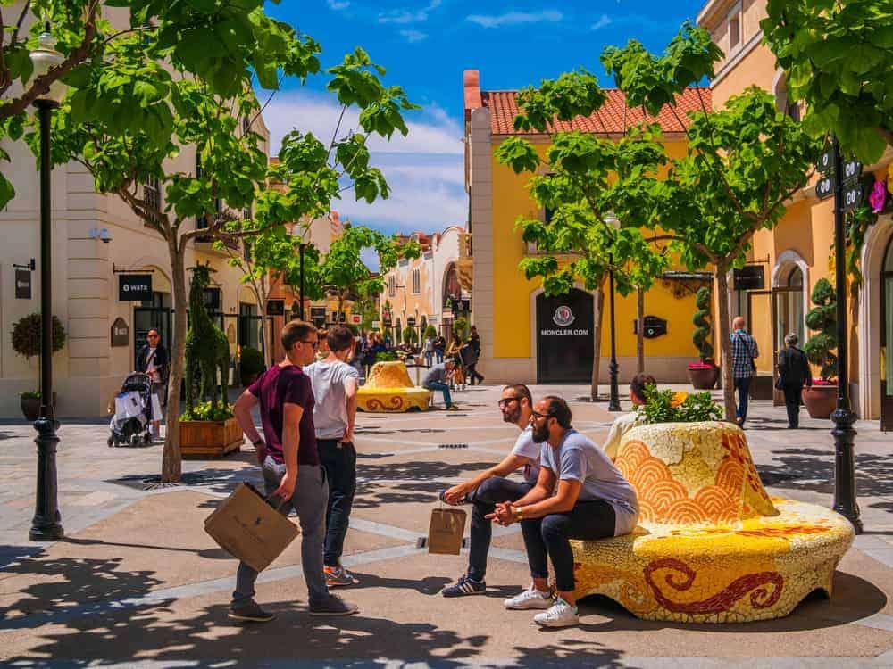 Outlet Shopping La Roca Village 1 1