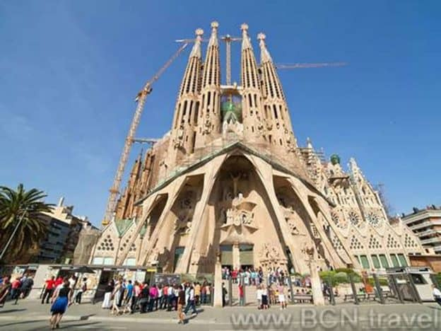 Sagrada Familia Skip The Line 8res