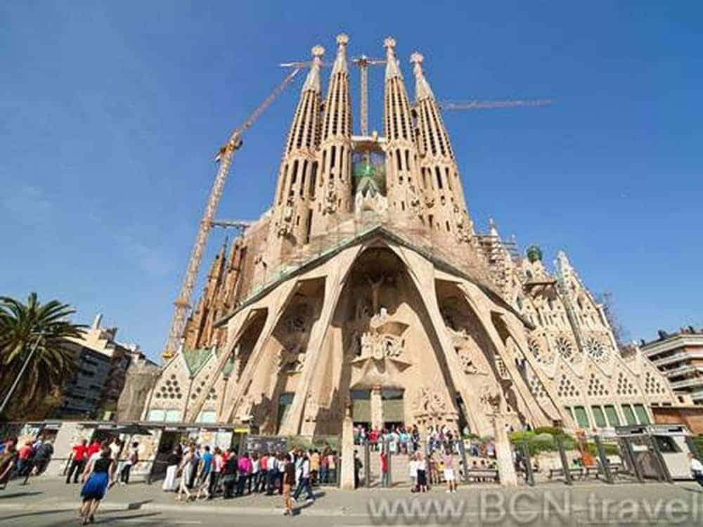 Sagrada Familia Skip The Line 8res