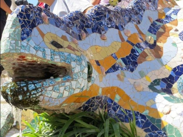 Sagrada Familia And Park Guell Guided Group Tour 8res