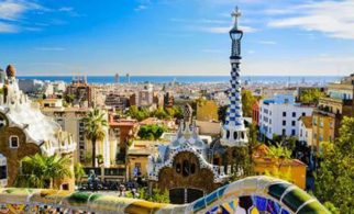 The Parc Guell Tour 8res
