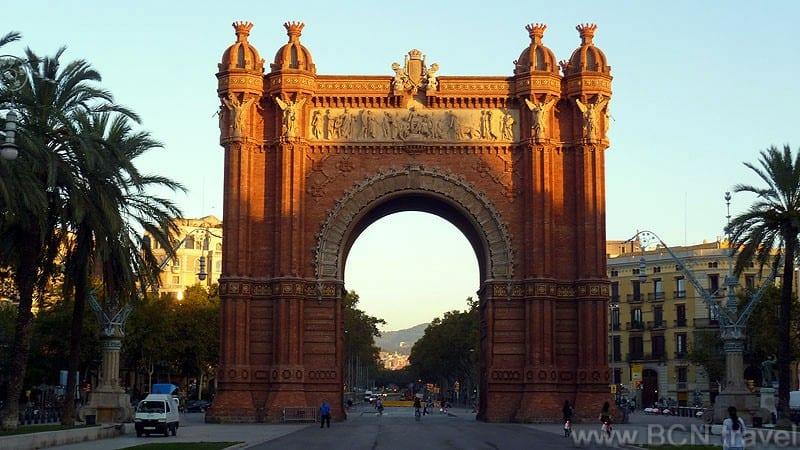 Barcelona Arc De Triomf 2 800px