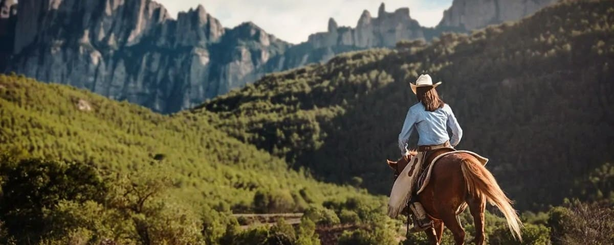Montserrat Horse 25 10