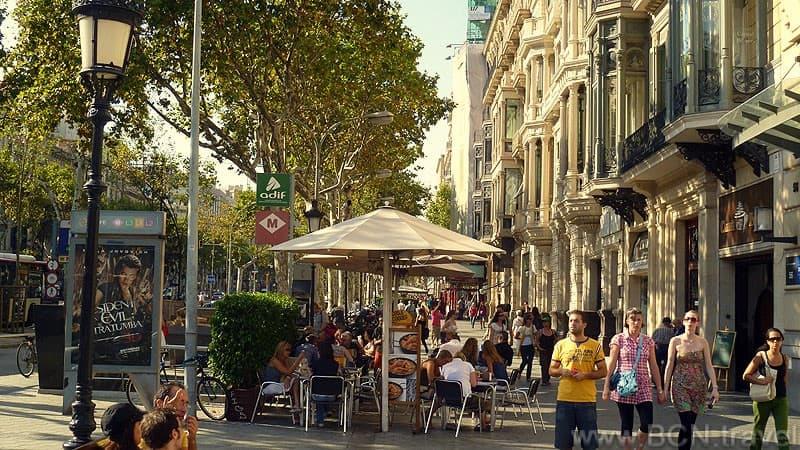Passeig De Gracia Atmosphere 800px