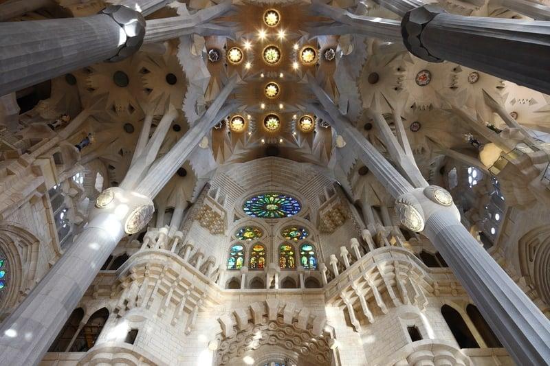 El interior de la Sagrada Familia