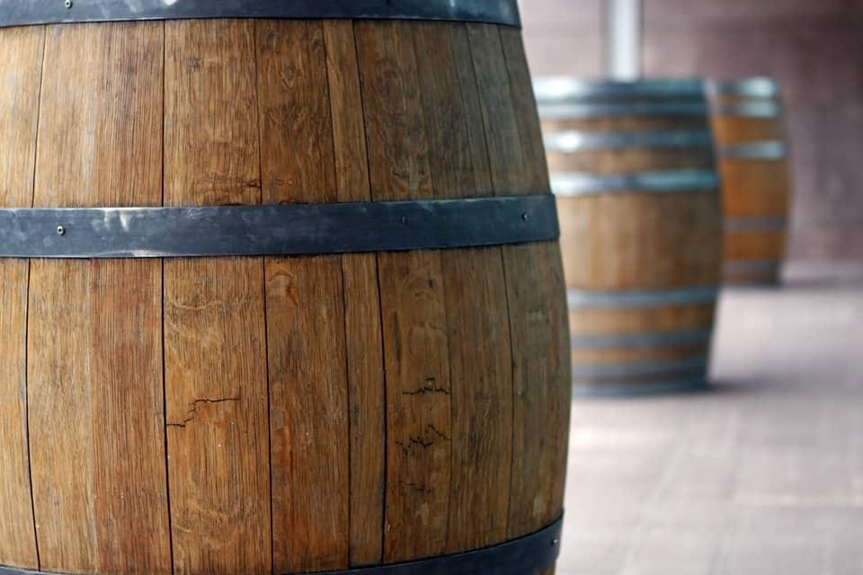 Artículo del autobús del barril de vino